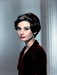 Actress Audrey Hepburn was born on May 4 1929 in Belgium. To celebrate the birthday of one of Britain& most loved actresses here is a selection of her most inspirational quotes, illustrated with some super photographs. Audrey Hepburn Poster, Audrey Hepburn Born, Audrey Hepburn Photos, Katharine Hepburn, Audrey Tautou, Divas, Hollywood Stars, Old Hollywood, Lady