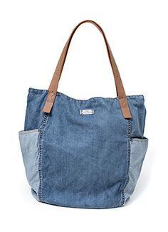 Képtalálatok a következőre: denim lucky bag sophie Canvas Crossbody Bag, Canvas Tote Bags, Denim Tote Bags, Diy Jeans, Recycled Denim, Quilted Bag, Fabric Bags, Cotton Bag, Handmade Bags