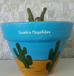 Vaso de barro pintado a mão