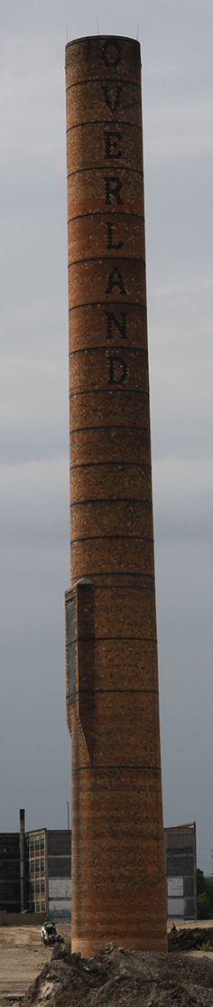 This 'Overland' chimney was all I found standing in 2012 (Photo by the author).