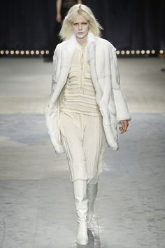 http://www.vogue.com/fashion-shows/fall-2016-ready-to-wear/veronique-branquinho/slideshow/collection