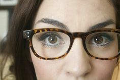 makeup for girls with glasses! tips & tricks on making your eyes stand out.