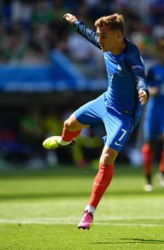 #EURO2016 France's forward Antoine Griezmann reacts as he scores a goal during the Euro 2016 round of 16 football match between France and Republic of Ireland...