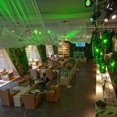 Tekturowy bar. Carlsberg