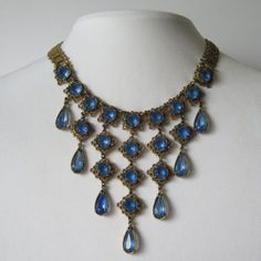 Vintage-1950s-60s-Bookchain-Blue-Glass-Dangle-Bib-Necklace