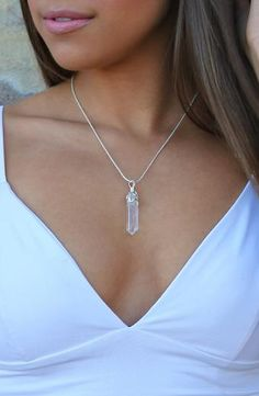 Victoria Stone Necklace - Clear/White