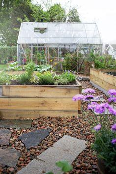 Krickelins blogg  http://www.lovelylife.se/blogs/krickelin/efter-regn-kommer-tarta