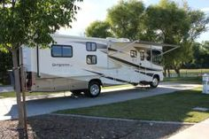 An explanation about how I rank and review campgrounds. As part of our year-long RV Family Trip around the United States I want to review every RV park I visit.