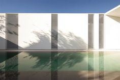 Image 14 of 21 from gallery of Jesolo Lido Pool Villa / JM Architecture. Photograph by Jacopo Mascheroni