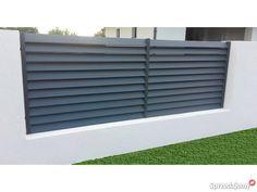Nowoczesne ogrodzenia metalowe Tarczyńscy Ogrodzenia i bramy Golina Fence Wall Design, House Main Gates Design, Modern Fence Design, Patio Design, Door Design, House Design, Entrance Gates, House Entrance, Boundary Walls