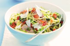 Quick and easy, this low-fat pasta dish is perfect for the dinner tonight.