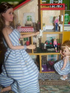 miniature dollhouse in the dollhouse - Doll House Darlings. | Flickr - Photo Sharing!