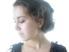 Downton Abbey hair tutorial, Lady Sybil (click for video)     thank you, finally one i can actually do myself !