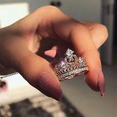 such a pretty princess ring Cute Rings, Pretty Rings, Beautiful Rings, Accesorios Casual, Ring Verlobung, Pandora Jewelry, Pandora Rings, Pandora Charms, Cute Jewelry