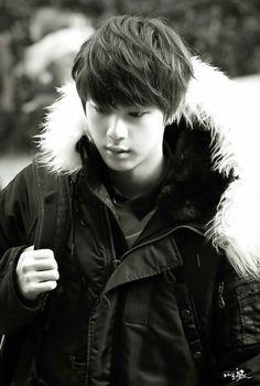 BTS Jin looking very handsome Jimin, Bts Jin, Bts Bangtan Boy, Bts Taehyung, Seokjin, Namjoon, Jung Hoseok, K Pop, Super Mario