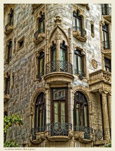 La Barcelona modernista ( Mayor de Gracia ) de Miguel-Angel Ramón maramon
