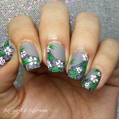 Instagram media kolormekarma - Floral wrought-iron #nail #nails #nailart