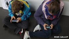 Smartphone app inquiry launched in Australia over costs