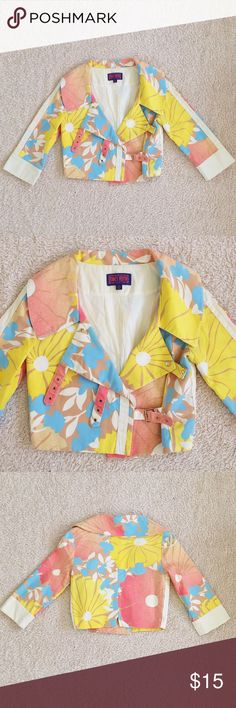 Floral Print Cropped Buckle Jacket Fun and bright printed floral jacket. 3 buckles in the front. Cropped style. Such a gorgeous jacket for the spring! Perfect condition! Tagged Zara for exposure but actually Tracy Firth for Target brand!! Zara Jackets & Coats Jean Jackets