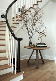 circular stairway + dark railing & light wood floors railing doesn't always have to match, I floor design interior Staircase Decor, Decor, Wood Floor Stairs, Foyer Decor, Foyer Decorating, Curved Walls, Light Wood Floors, Stairways, Home Decor