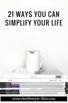 21 habits that make my life a lot simpler How to simplify your life simple living / minimalism / organizing / decluttering / productivity / slow living / lifestyle Minimalist Lifestyle, Minimalist Decor, Minimalist Kitchen, Minimalist Bedroom, Minimalist Interior, Modern Minimalist, Less Is More, Minimalism Living, Living Style