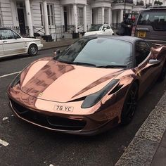Rose gold #Ferrari. Literally obsessed and dreaming