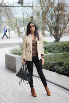 look do dia casaco trench coat jeans bota santiago chile borboletas na carteira fashion estilo style_-2