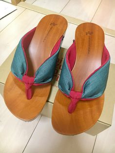 f39be84cb212 Find this Pin and more on chappals by Nazma Naz.