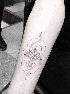 Geometric lotus flower by Doctor Woo