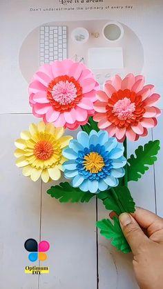 Cool Paper Crafts, Paper Crafts Origami, Diy Crafts For Gifts, Creative Crafts, Paper Flower Art, Paper Flowers Craft, Paper Flower Tutorial, Flower Crafts Kids, Spring Crafts