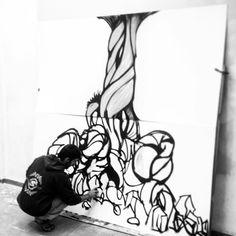 CHK working. Aquí tenemos a mi buen amigo Carlos realizando el mural que presidirá la tienda, será espectacular!!, #_hl2_ #pinturamural #CHK #artesania #diseño
