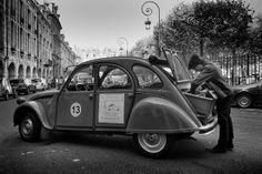 Citroën in Paris Antique Cars, Europe, Horses, Kids, Travel, Vintage Cars, Young Children, Boys, Viajes
