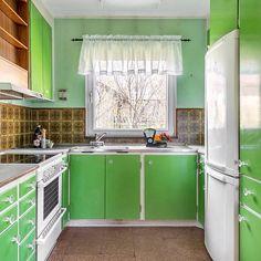 """105 gilla-markeringar, 3 kommentarer - Fanny Bryggman Öhrn (@tegelbiten) på Instagram: """"Kitchen shock ! Again this charming villa in Täby, built 1958. #Kitchen reno  probably a decade…"""""""