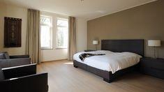 Afbeeldingsresultaat voor renovatie slaapkamers Bed, Furniture, Home Decor, Decoration Home, Stream Bed, Room Decor, Home Furnishings, Beds, Home Interior Design