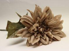 Vánoční dekorace - chryzantéma s třpytkami, capuccino