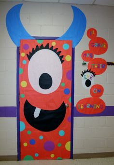Cute and Fun Halloween Door Decorating Ideas 2017 - - Halloween is the one night of the year when kids are really allowed to come out and play. It is the night for long hours of trick-or-treating in the neighborhood as well as all kinds of spooky movi…. Halloween Classroom Decorations, Theme Halloween, School Door Decorations, Halloween Crafts For Kids, Monster Door Decoration, Halloween Horror, Diy Halloween, Halloween Monster Doors, Fall Classroom Door