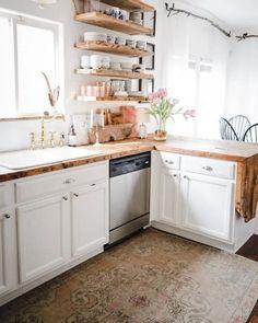 Beautiful and Fresh Small Kitchen Design Ideas To Get Unique Look - Modern Rustic Kitchen Design, Boho Kitchen, New Kitchen, Kitchen Small, Kitchen Ideas, Kitchen Reno, Kitchen Storage, Home Decor Inspiration, Decor Ideas