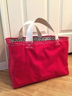 Sade Canvas Grocery Tote Market Tote Canvas Bag by dreneco on Etsy Reusable Shopping Bags, Duffle Bags, Bag Patterns To Sew, Cute Bags, Large Tote, Cotton Canvas, Sewing Projects, Quilts, Craft