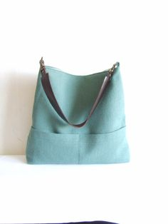 Teal green bag, linen tote bag, hobo bag, boho purse, real leather strap, removable strap di allbyFEDI su Etsy https://www.etsy.com/it/listing/193876889/teal-green-bag-linen-tote-bag-hobo-bag