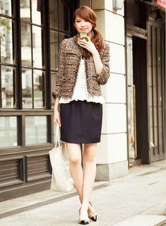 【着まわしday6】ノーカラージャケット×白ペプラムブラウス×ゆるタイトスカート | ファッション コーディネート | with online on ウーマンエキサイト