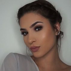Bronze smokey tag a friend who would rock this look!  @benefitcosmetics Stay Don't Stray. @bobbibrown Face Base. @anastasiabeverlyhills Single shadows in Birkin, Fudge and Noir. @bobbibrown gel liner in Black Ink. Giorgio Armani Luminous Silk Foundation in 5.75 using @ayvabrushes. @narsissist Creamy Concealer in Custard. @bobbibrown foundation stick in warm almond for contour.  @lauramercier Translucent setting powder. @benefitcosmetics Hoola Bronzer. Glow using @giellacustomblendcosmetic...