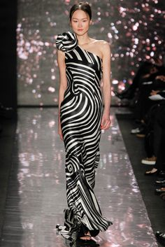 Naeem Khan Fall 2012 Ready-to-Wear Collection Slideshow on Style.com