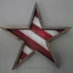 "Not usually much of a ""stars and stripes"" kind of girl. Rustic look AND reclaimed pallets? Pallet Wood Stars and Stripes for the of July diy, Pallet Wood Wooden Pallet Projects, Pallet Crafts, Wooden Pallets, Wood Crafts, Pallet Wood, 1001 Pallets, Pallet Ideas, Pallet Benches, Painted Pallets"