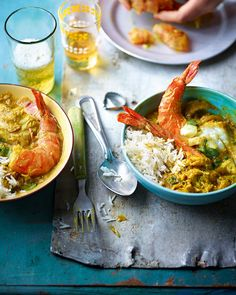 Prawns, crab meat and chunks of white fish soak up bold Thai curry flavours as they cook in this golden-coloured sauce.