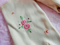 Vintage GIRL FLOWER GLOVES with Pink Rose Floral Embroidery Embroidered 1950s Church Dress Gloves Beige Ivory Cream Color Small Size