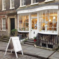 🌞 Buongiorno Bath visitors! Welcome to our city - if you need some #independentbath recommendations we have fresh photocopies in of our very favourite small business list 📜 Do come and take a copy! We hope you enjoy your stay - thank you for coming! 😀 ( and imagine the power of every #independentbath business having a small business recommendation list on their counter and the power of using the #independentbath hashtag! It would be 🗼🚀 amazing! #justsaying )