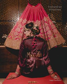 56 Ideas pre bridal pictures hair for 2019 Indian Wedding Pictures, Indian Wedding Bride, Bride Pictures, Indian Bridal, Indian Weddings, Bridal Portrait Poses, Bridal Poses, Bridal Photoshoot, Wedding Poses