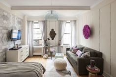 12 Perfect Studio Apartment Layouts That Work Tiny Studio Apartments, Studio Apartment Design, Studio Apartment Decorating, Studio Design, Modern Apartments, Apartments Decorating, Contemporary Apartment, Holiday Apartments, Design Room