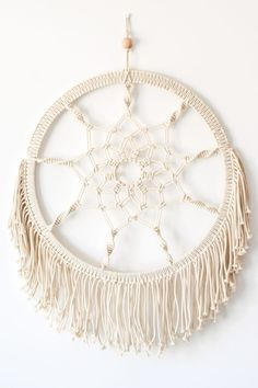 Traumfänger Macrame Dreamcatcher Lotus für süße und erholsame Träume oder als Freizeitbeschäftigung kommender schöner Sommertage. Hippie Alarm! Juhu!