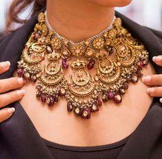 Exquisite polki diamonds necklace set